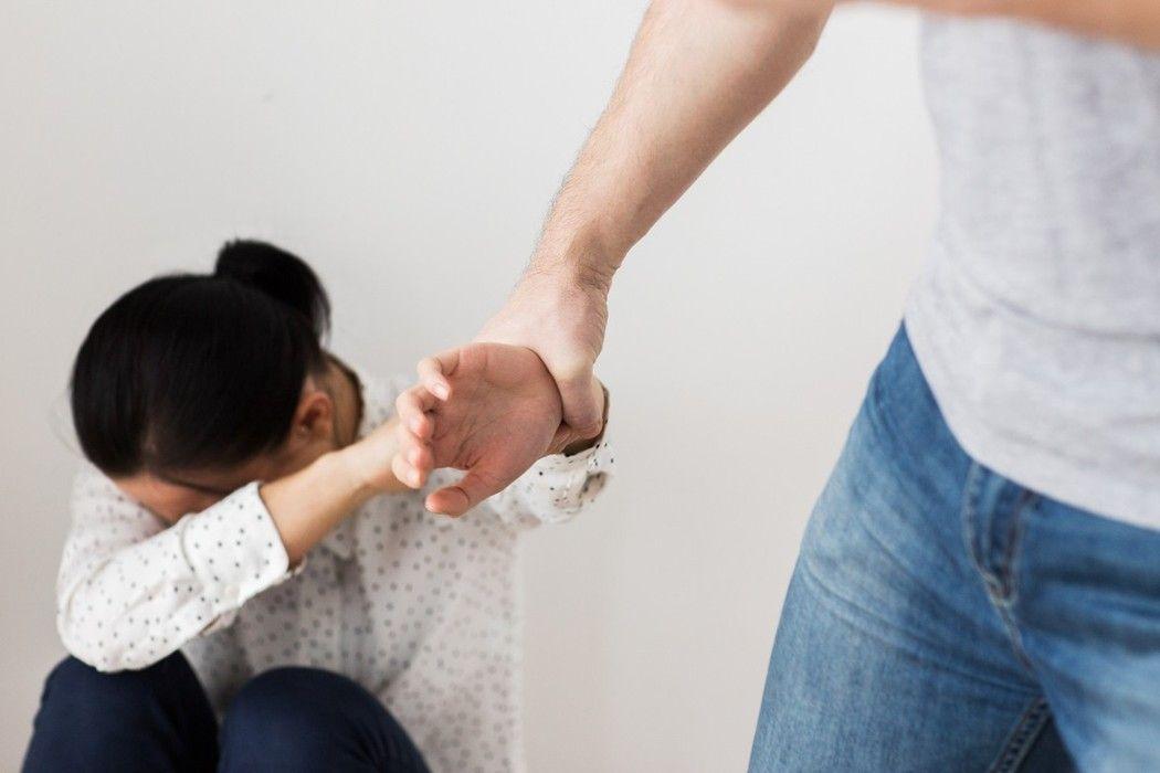 爸爸發酒瘋嚇哭3歲童 法官將監護權判給媽媽